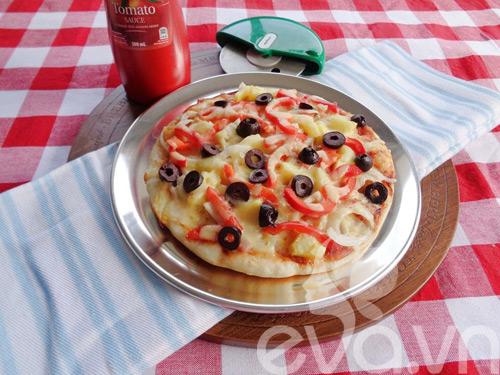 cach nuong pizza bang chao sieu ngon - 9