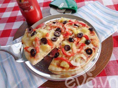 cach nuong pizza bang chao sieu ngon - 10