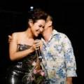 Làng sao - Quốc Trung hôn Uyên Linh trên sân khấu