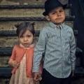 Làm mẹ - Mê mẩn bộ ảnh vintage ông bố Mỹ chụp 2 con