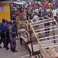 Tin tức - Bị cách ly vì Ebola, dân Liberia nổi loạn