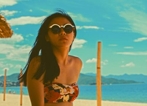 van mai huong dien bikini khoe vong 1 nho xinh - 4