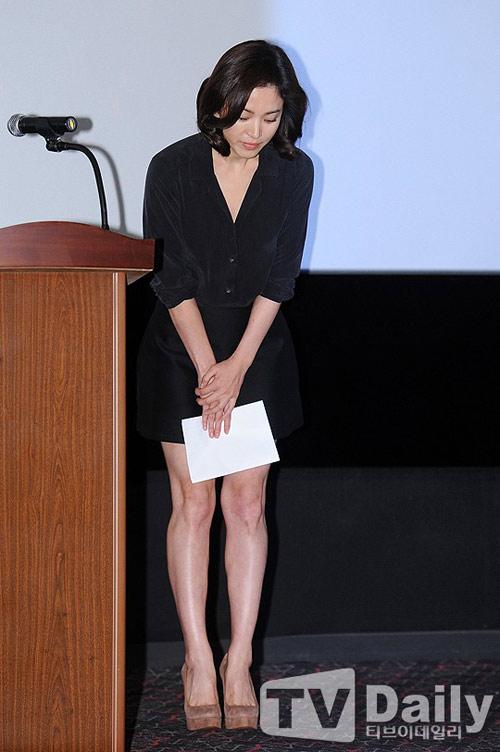 song hye kyo lan dau xuat hien sau scandal tron thue - 2