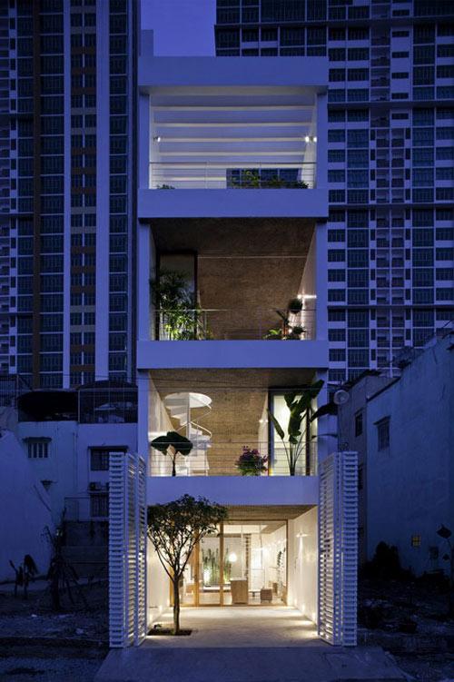 Ngưỡng mộ nhà ống Sài Gòn 'hút' sáng ngập nhà-14