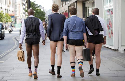 London: Nam công sở mặc quần chẽn đi làm-12