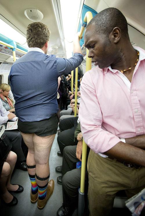 London: Nam công sở mặc quần chẽn đi làm-8
