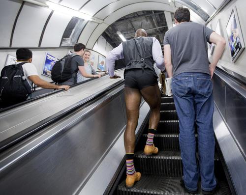 London: Nam công sở mặc quần chẽn đi làm-6
