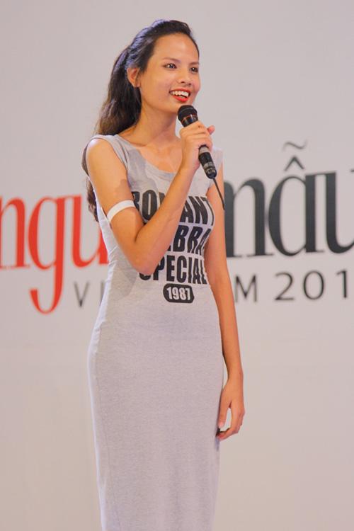"""thu khoa dai hoc ngoai thuong gay """"sot"""" tai vntm 2014 - 5"""