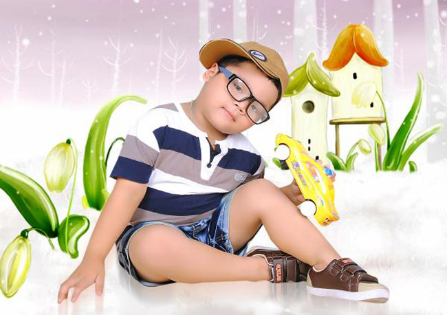 Con tên là Nguyễn Gia Phúc, con sinh ra ngày 11/10 trong cơn bão lũ lớn năm 2009.