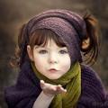 Làm mẹ - Bé gái một tay xinh đẹp qua lăng kính người mẹ