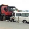 Tin tức - Xe cứu thương tông xe tải, bé 7 tháng tuổi tử vong