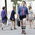 Thời trang - London: Nam công sở mặc quần chẽn đi làm