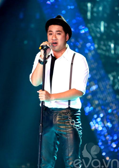 Bị loại khỏi X-Factor, Minh Tiến đăng quang SMĐH-1