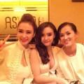 Làng sao - Em gái Phương Trinh sexy mừng sinh nhật 18 tuổi