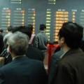 """Mua sắm - Giá cả - Cổ phiếu BĐS, dầu khí """"đốt"""" nóng thị trường"""