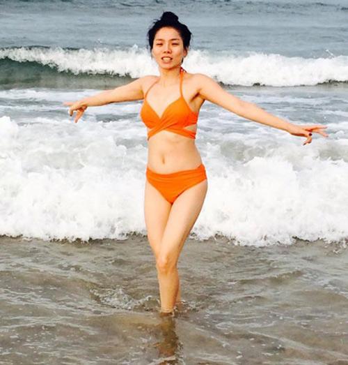nhung gai mot con vbiz mac bikini dep sung so - 3