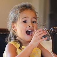 4 tuổi trở thành nhà phê bình ẩm thực nhí