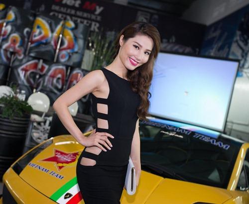 diem my 9x ho bao ben canh le khanh sexy - 3