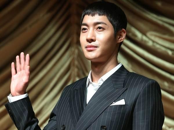 kim hyun joong bi trieu tap vi vu hanh hung ban gai - 1