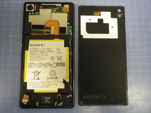 """Chưa ra mắt, Xperia Z3 đã bị """"mổ bụng""""-1"""