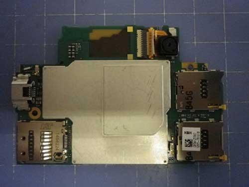 """Chưa ra mắt, Xperia Z3 đã bị """"mổ bụng""""-10"""