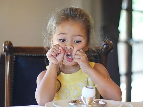 4 tuổi trở thành nhà phê bình ẩm thực nhí-4