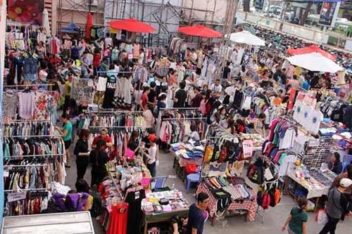 Những chợ phiên độc đáo ở Sài Gòn-3