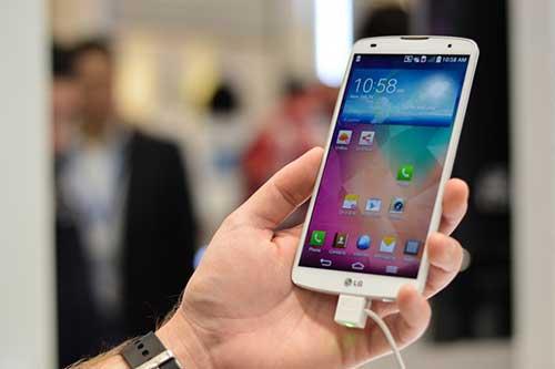 4 smartphone an tuong vua giam gia cham moc 10 trieu dong - 2