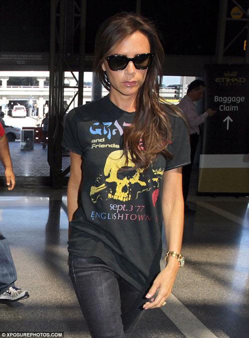 """Eva """"soi"""" 28/8: Kim Kardashian khoe vòng 1 đẫy đà-14"""