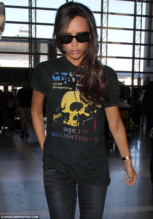 """Eva """"soi"""" 28/8: Kim Kardashian khoe vòng 1 đẫy đà-15"""