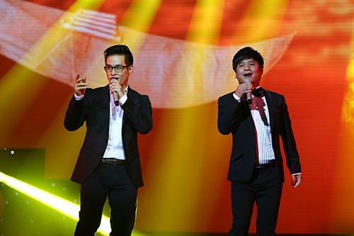 hong nhung, ha ho mac ao dai khoe giong muot ma - 17