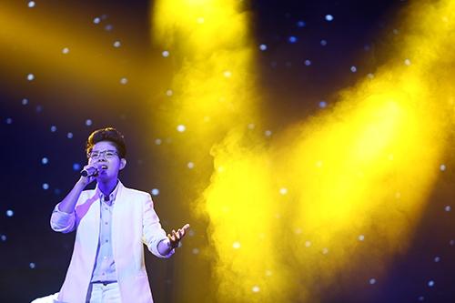 hong nhung, ha ho mac ao dai khoe giong muot ma - 18