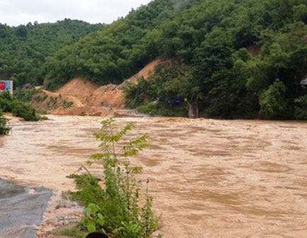 Thanh Hóa: Hơn 5.000 hộ dân bị cô lập do mưa lũ-1