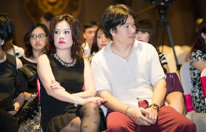 Thùy Vân Tik Tik Tak tái xuất cùng chồng sắp cưới-1