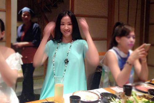 "8 sao viet dang ""giau nhem"" chuyen mang bau - 1"