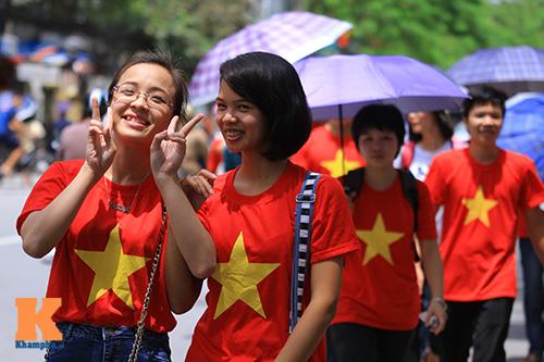 hang van du khach doi nang tham lang bac - 6
