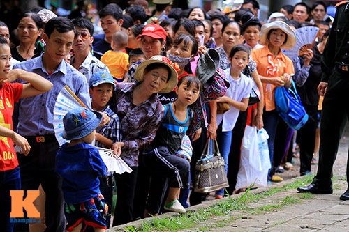 hang van du khach doi nang tham lang bac - 11