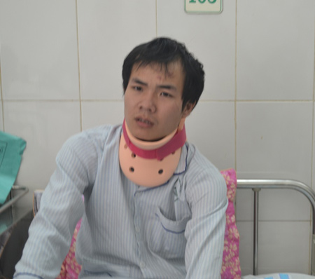 xe khach lao xuong vuc: chuyen du lich dinh menh - 2