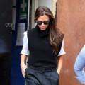 """Thời trang - Victoria Beckham diện quần lửng """"xuyên mùa"""""""