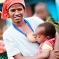 Bà bầu - Đi khắp năm châu xem các mẹ cho con bú