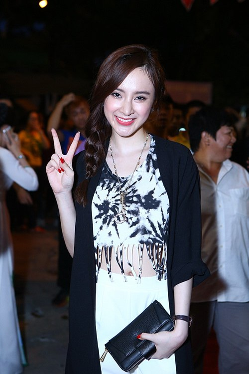 angela phuong trinh khoe eo thon di gio to nghe - 4