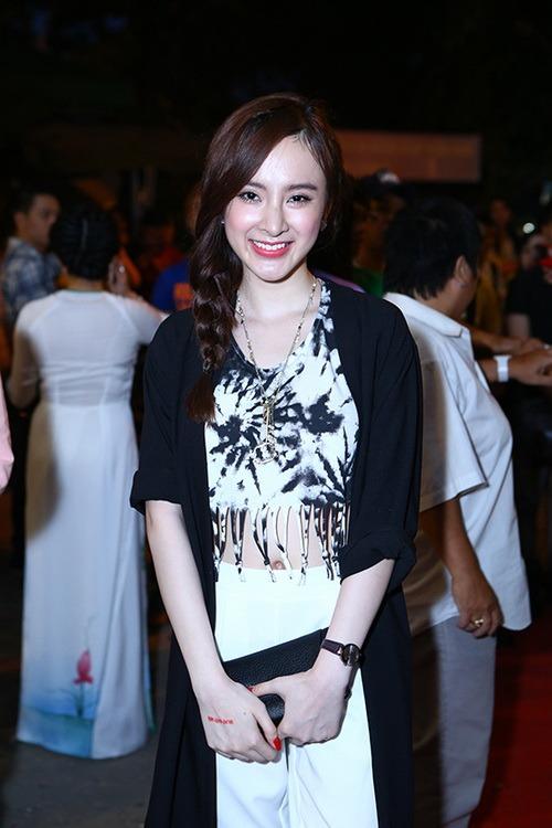angela phuong trinh khoe eo thon di gio to nghe - 7