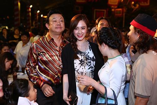 angela phuong trinh khoe eo thon di gio to nghe - 9