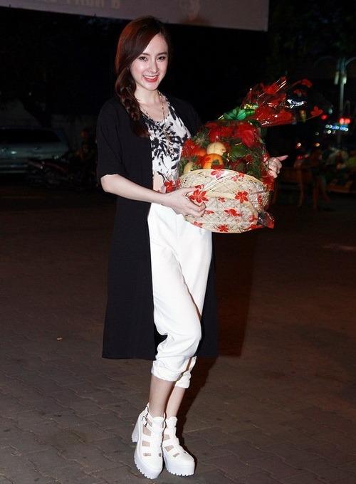 angela phuong trinh khoe eo thon di gio to nghe - 1