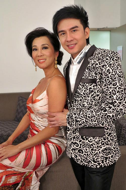 dan truong - my tam bi huy show giua chung tai canada - 5
