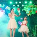 Hậu trường - Con gái Thái Thùy Linh tự tin biểu diễn trên sân khấu