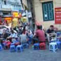 """Mua sắm - Giá cả - Cấm bán bia vỉa hè: Nhiều người """"méo mặt"""""""