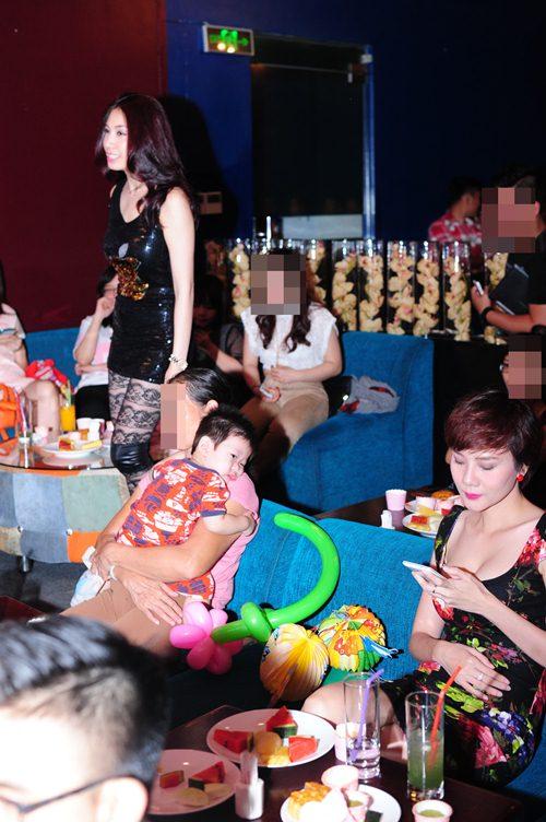 pha le tuoi tan cham mat duong yen ngoc hau scandal - 3