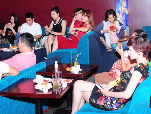 pha le tuoi tan cham mat duong yen ngoc hau scandal - 7