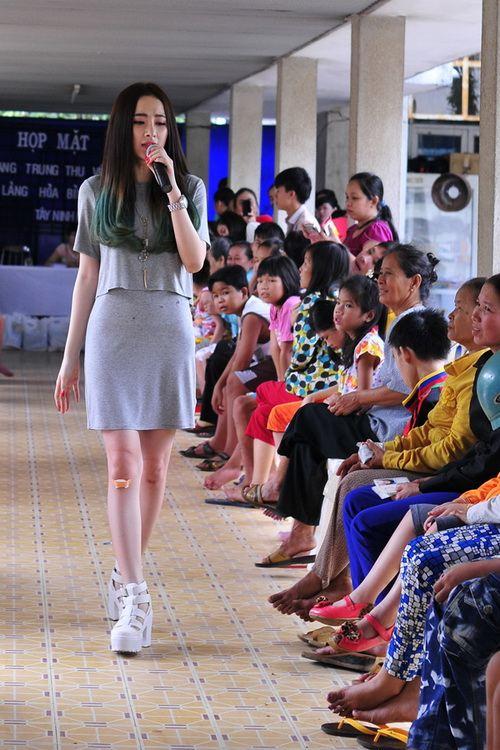 angela phuong trinh vuot nui tham tre khuyet tat - 5